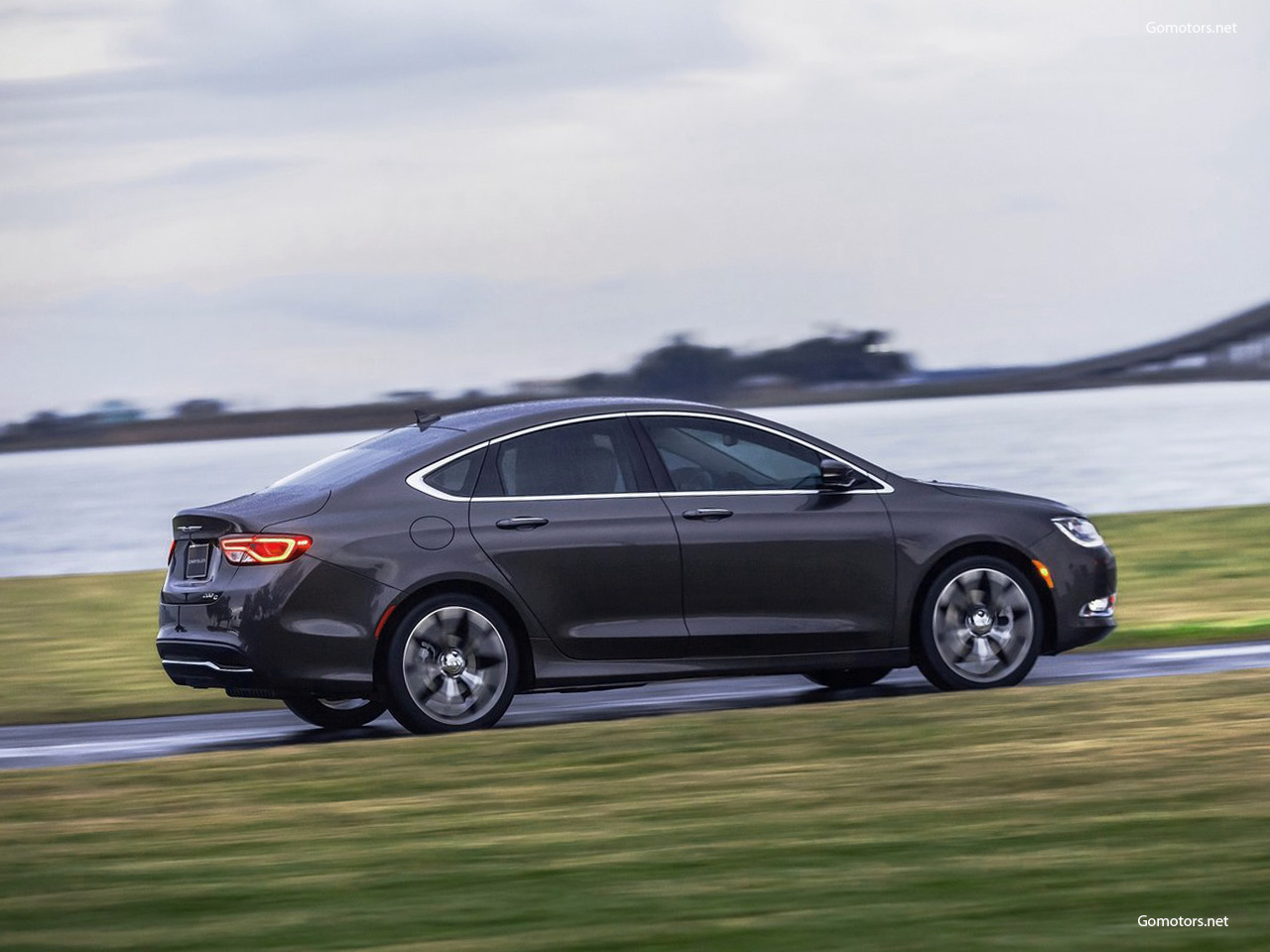 2014 Chrysler 200 Photos News Reviews Specs Car Listings
