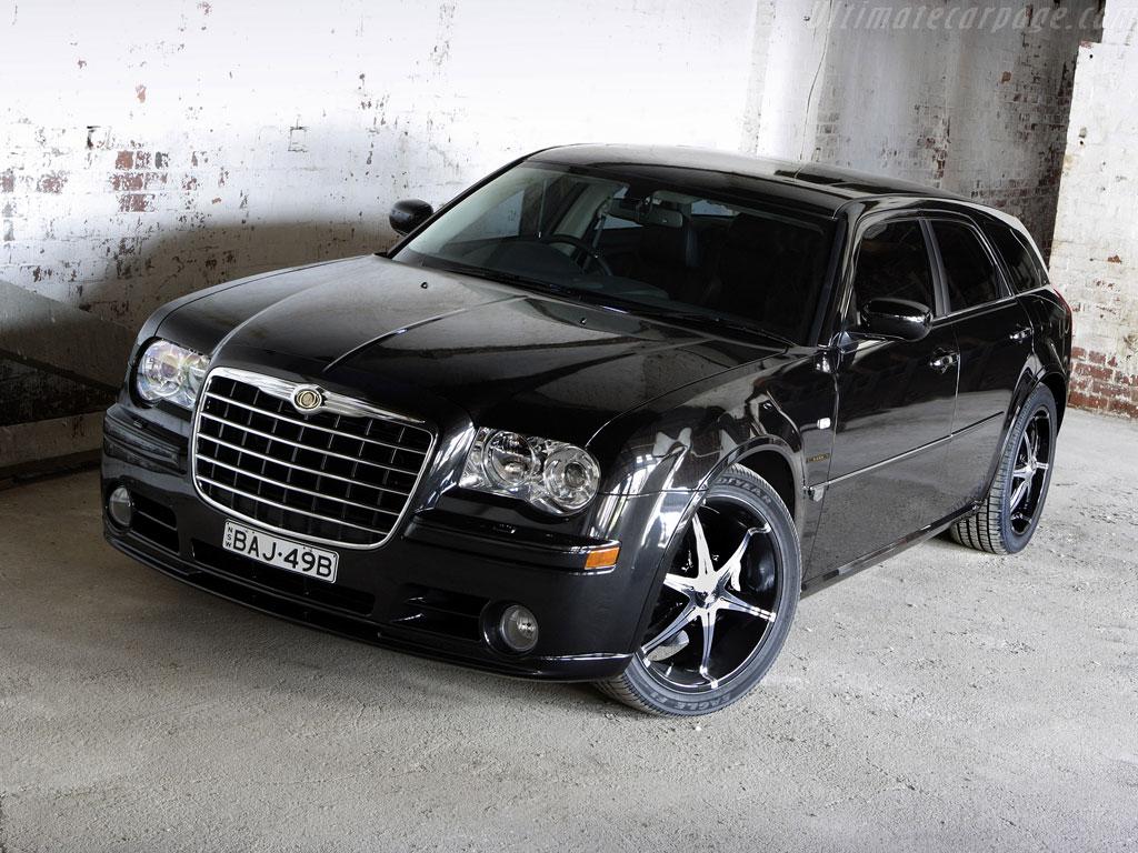 Chrysler 300 C Touring Photos News Reviews Specs Car