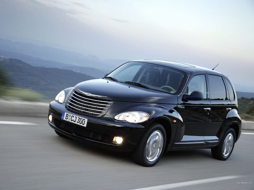 chrysler pt cruiser photos news reviews specs car. Black Bedroom Furniture Sets. Home Design Ideas