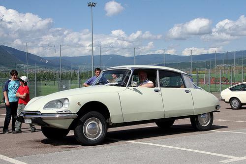 1969, Citroën DS 20 Pallas, Retro Classics Stuttgart 2015 - YouTube