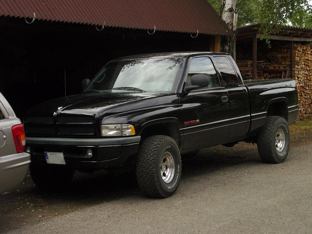 dodge ram 1500 v8 magnum picture 1 reviews news specs buy car. Black Bedroom Furniture Sets. Home Design Ideas