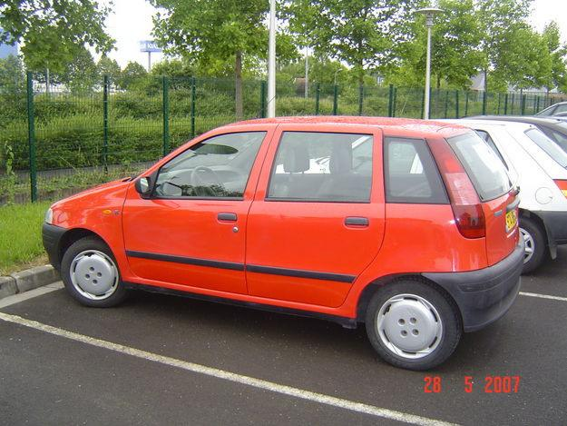fiat punto 75 sx 12 photos news reviews specs car listings. Black Bedroom Furniture Sets. Home Design Ideas