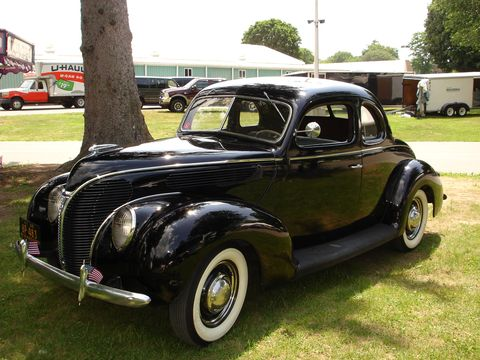 Ford 2 dr coupe