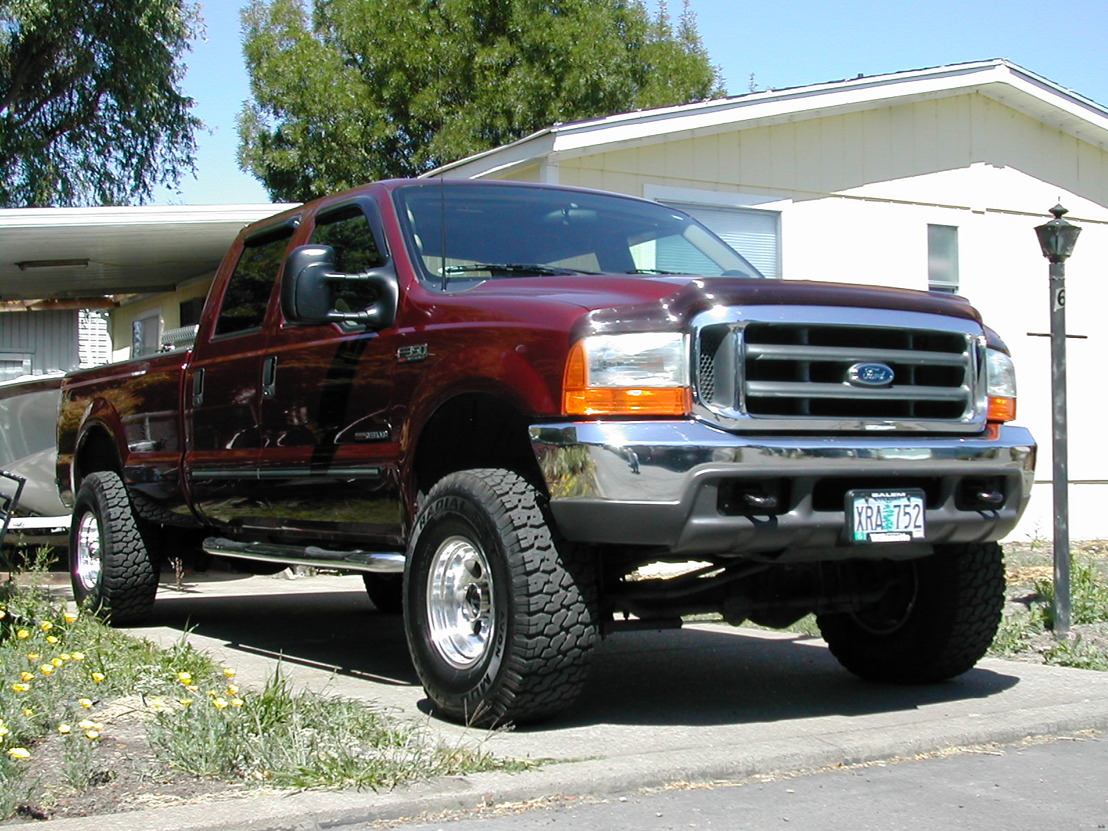 ford f 250 xlt super duty photos news reviews specs car listings. Black Bedroom Furniture Sets. Home Design Ideas