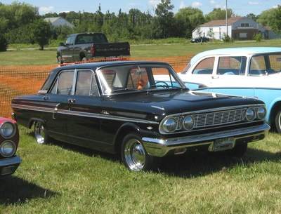 Ford Fairlane 4-Door Sedan