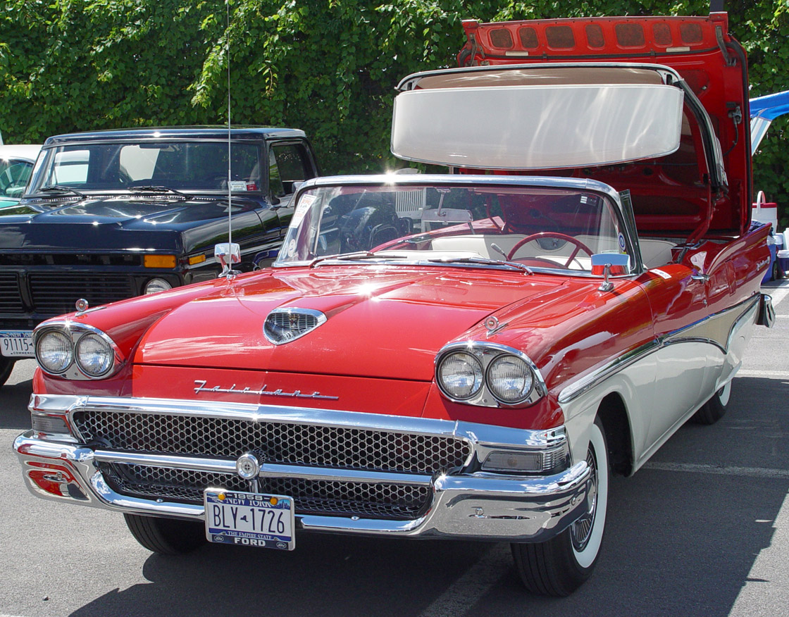 Ford Fairlane 500 Galaxie Skyliner