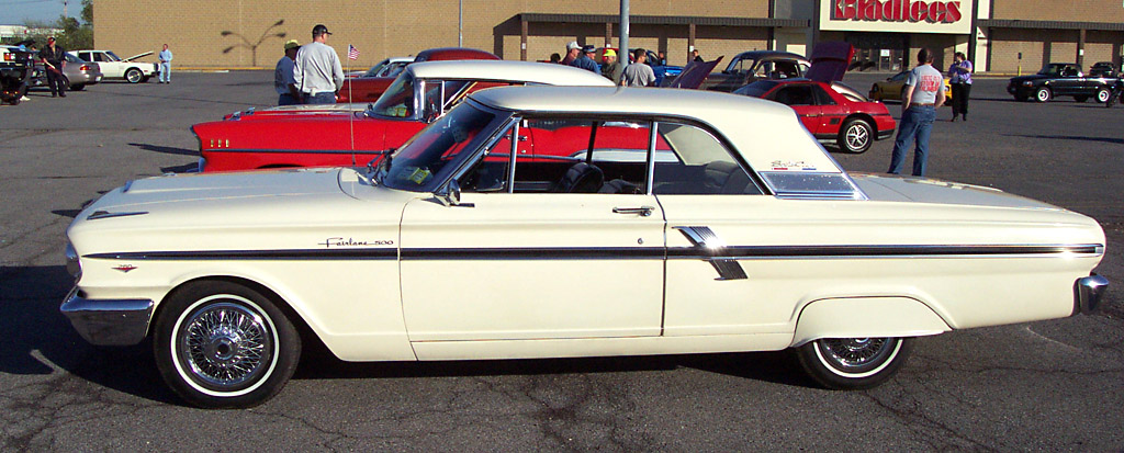 Ford Fairlane 500 Sport coupe