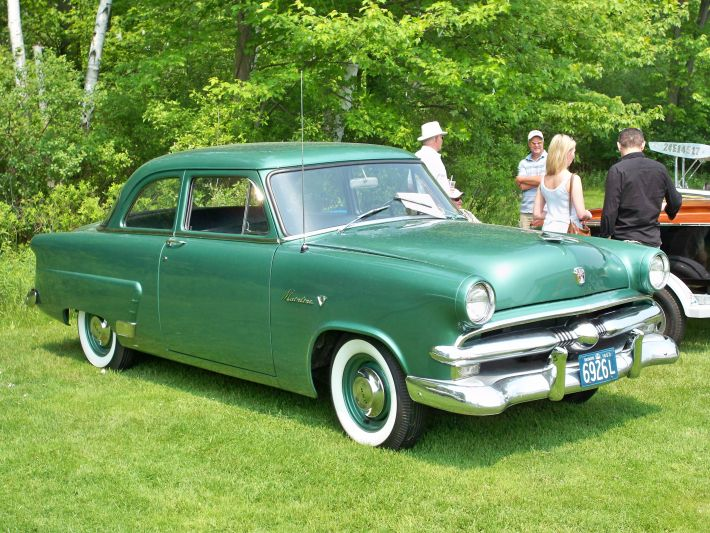 Ford mainline 2 door sedan photos news reviews specs for 1953 ford 2 door coupe