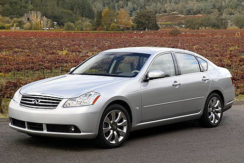 Infiniti on Infiniti M35   Articles  Features  Gallery  Photos  Buy Cars   Go