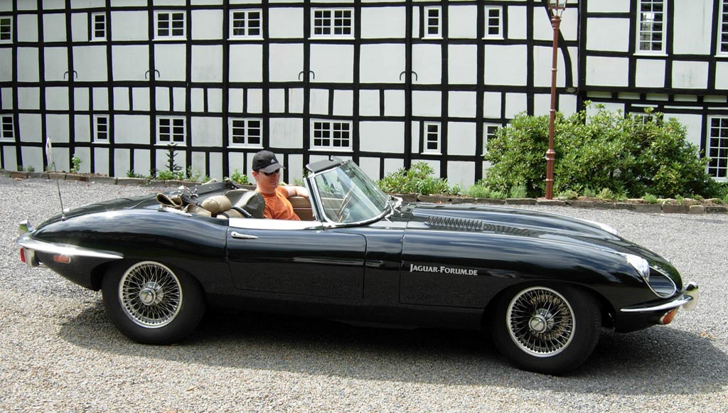 Jaguar E-Type 42