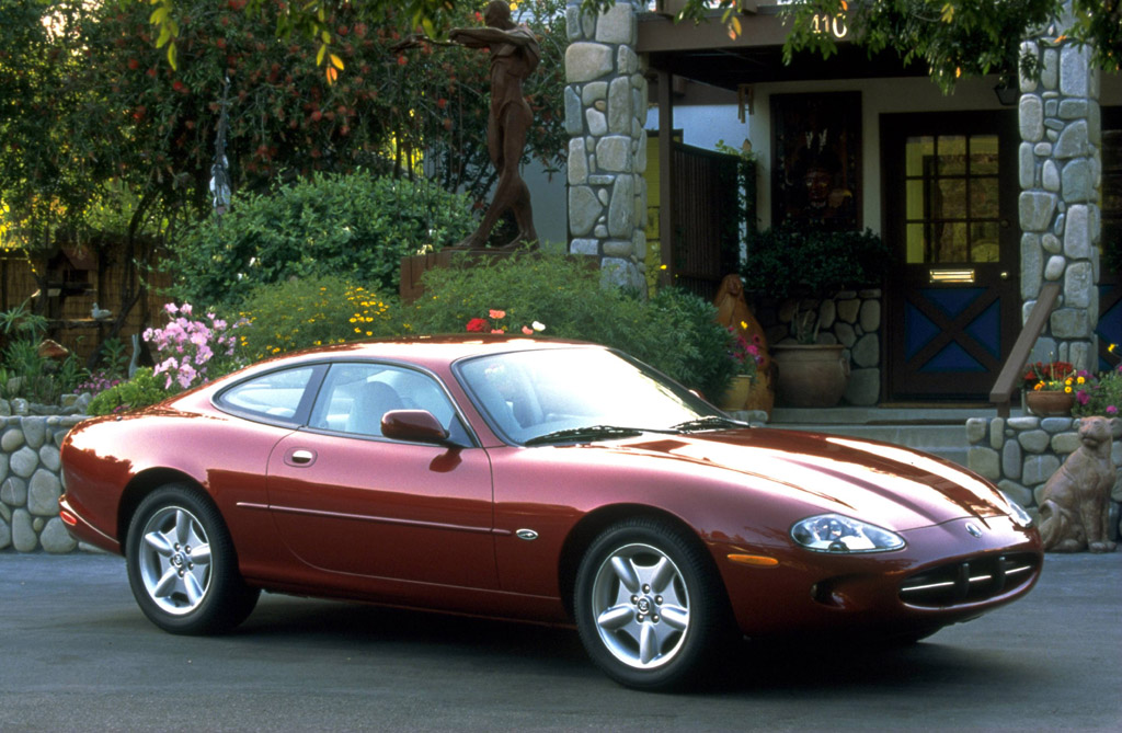 Jag Xk8 A Reminder Of Why We Shouldshouldn't Be Buying One