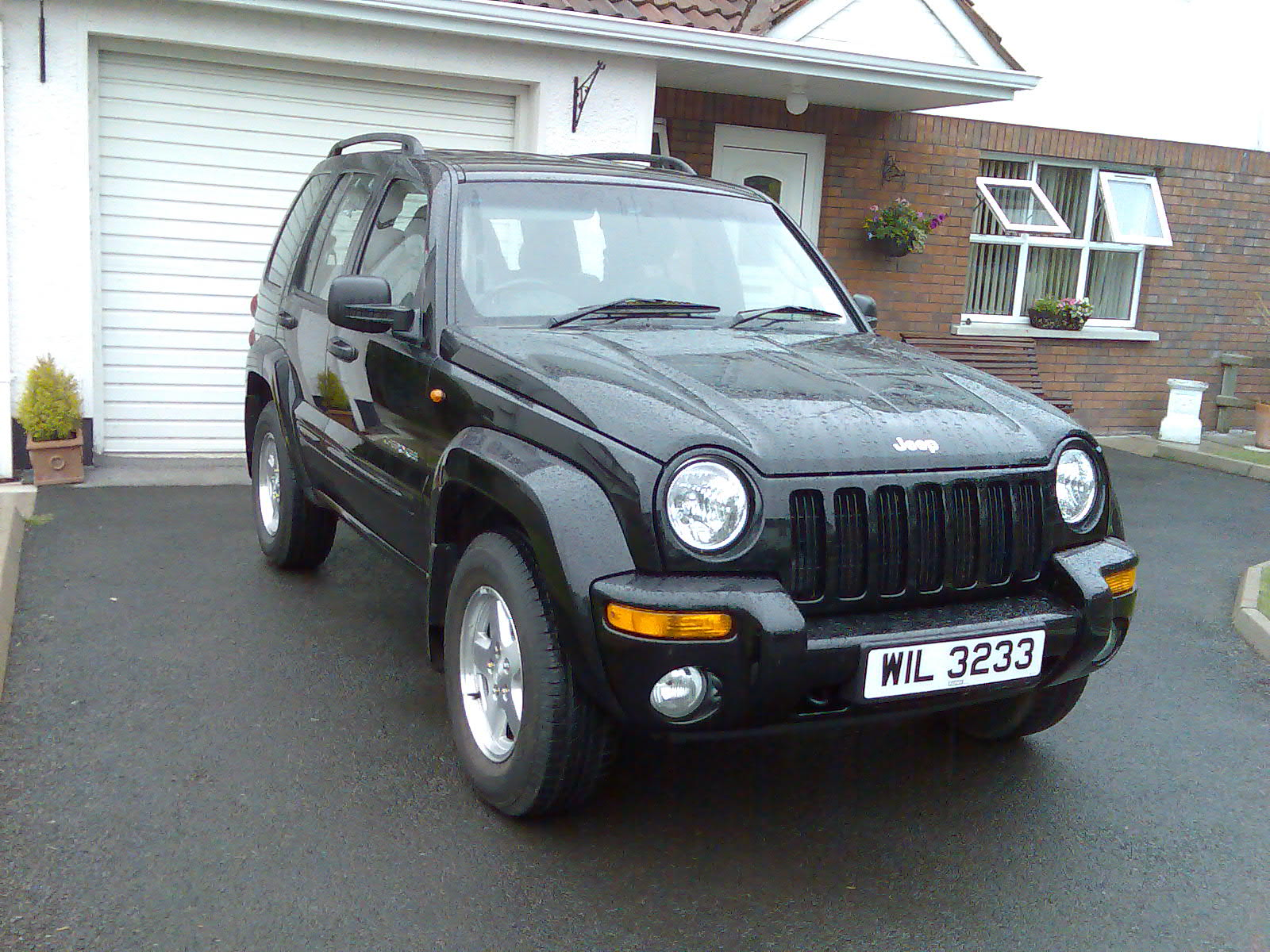Jeep Cherokee Crd Sport Photos Reviews News Specs Buy Car