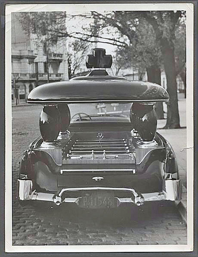 kaiser-carabela-hearse-car-01.jpg