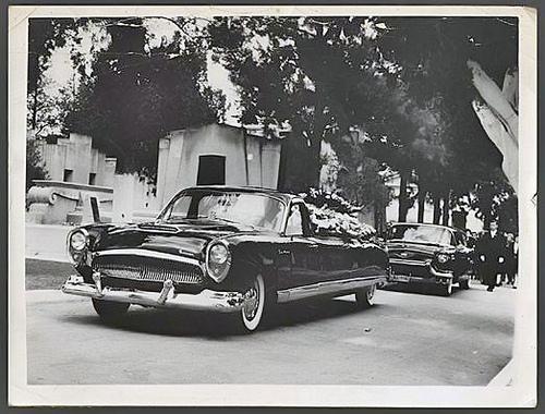 kaiser-carabela-hearse-car-04.jpg