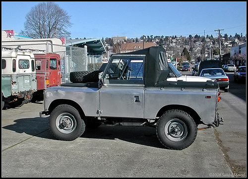 Land Rover 88 series 2