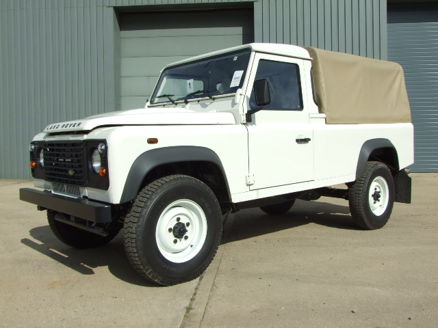 Land Rover Defender 110 Pick-Up:picture # 5 , reviews, news