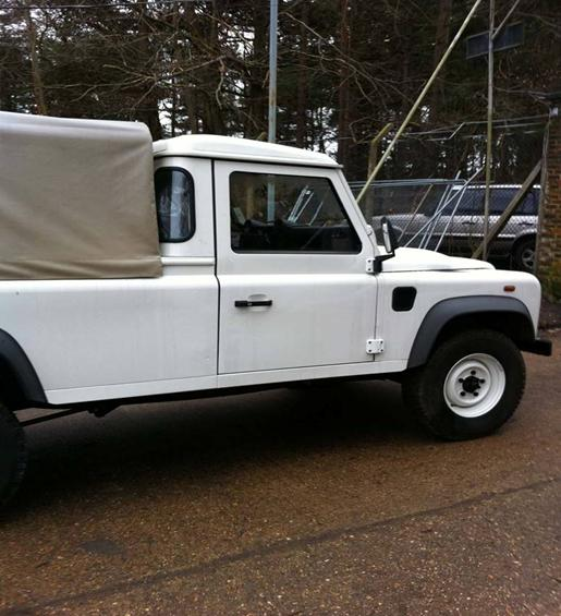Land Rover Defender 110 Puma