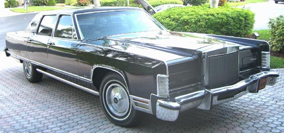 lincoln continental town car photos news reviews specs car listings. Black Bedroom Furniture Sets. Home Design Ideas
