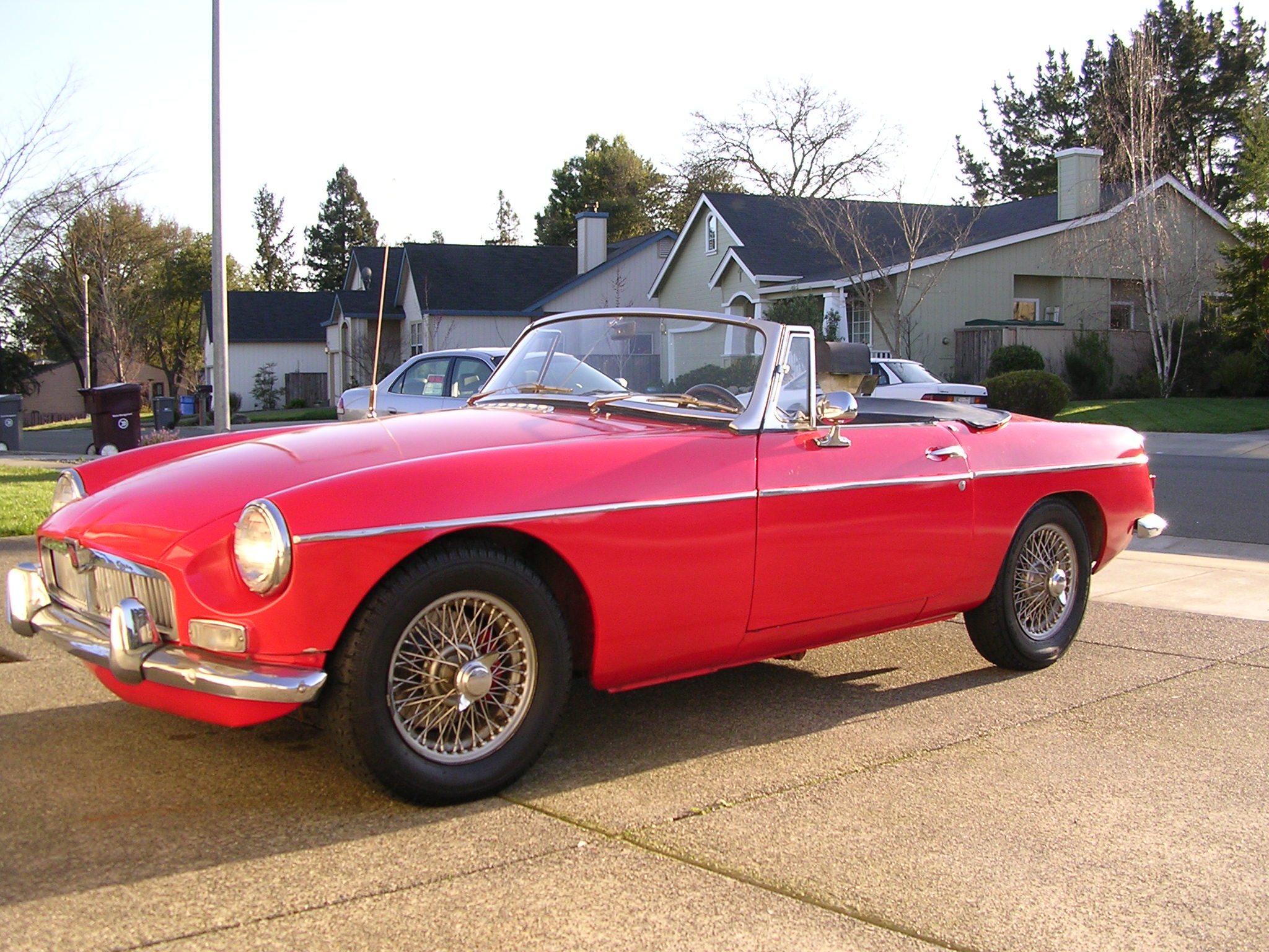 mg mgb photos news reviews specs car listings. Black Bedroom Furniture Sets. Home Design Ideas