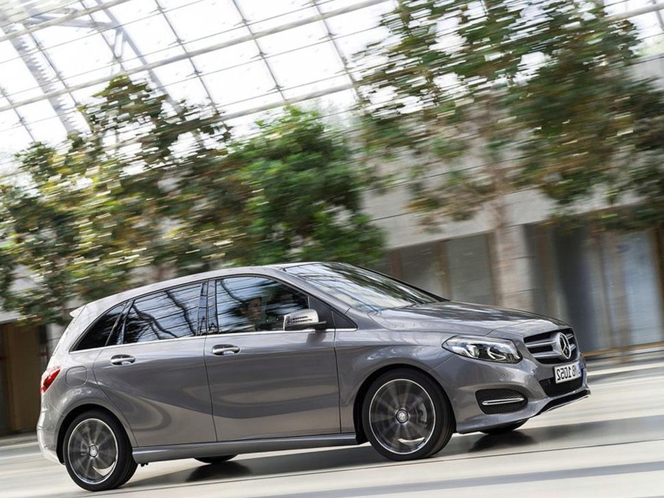 Mercedes benz b class 2015 photos reviews news specs for Mercedes benz of tysons corner staff