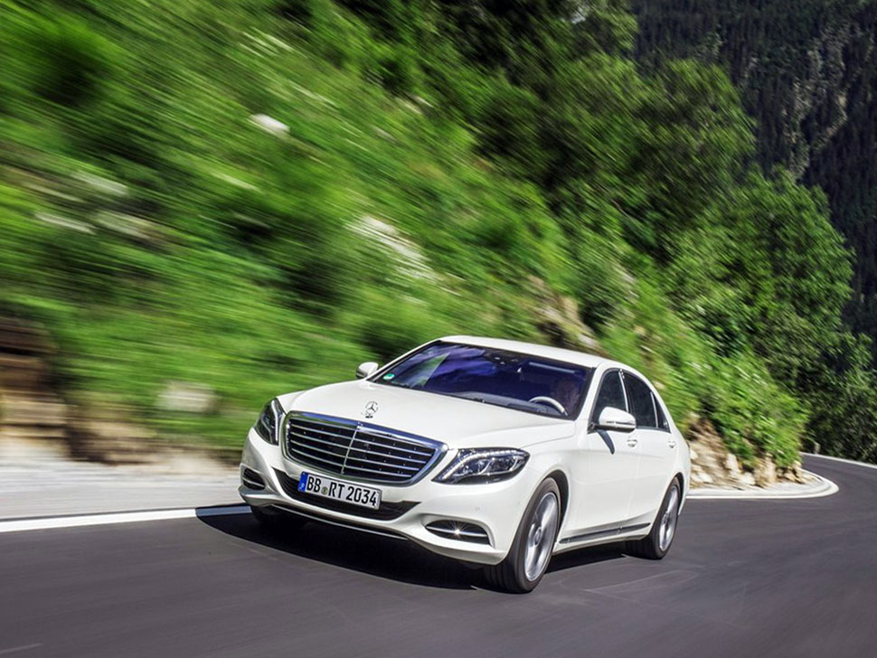 Mercedes benz s500 plug in hybrid 2015 photos reviews for Mercedes benz hybrids