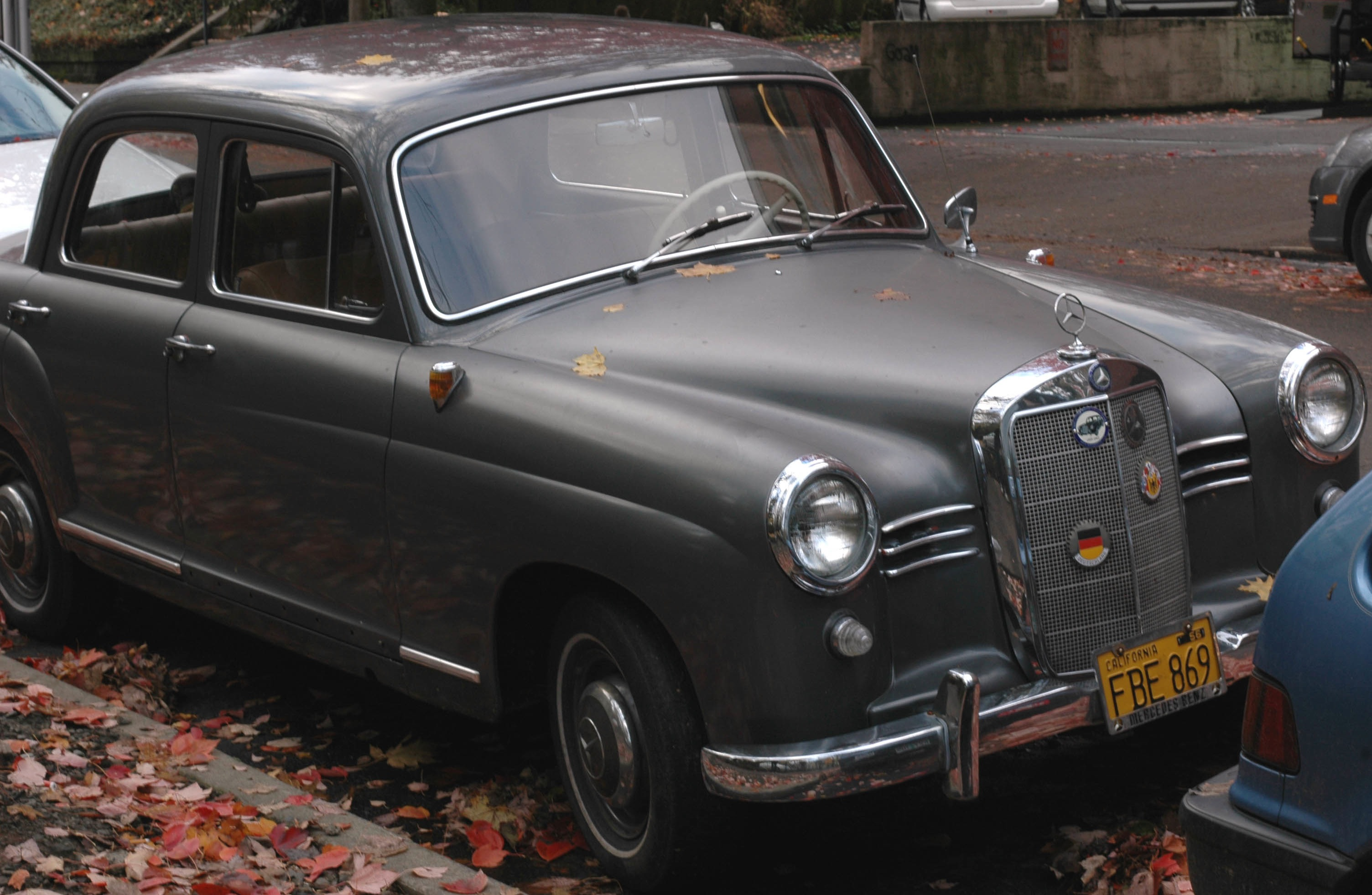 Mercedes benz 180 d photos reviews news specs buy car for Mercedes benz family discount