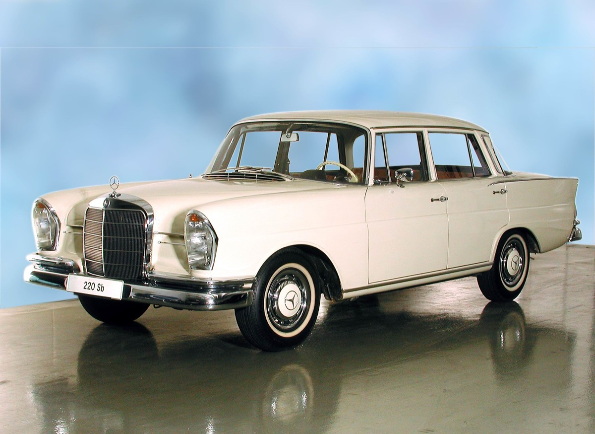 Mercedes benz 220 b w 111 picture 2 reviews news for Buy old mercedes benz