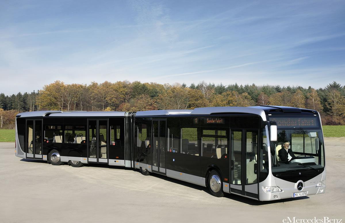 Mercedes benz bus photos reviews news specs buy car for Mercedes benz coach