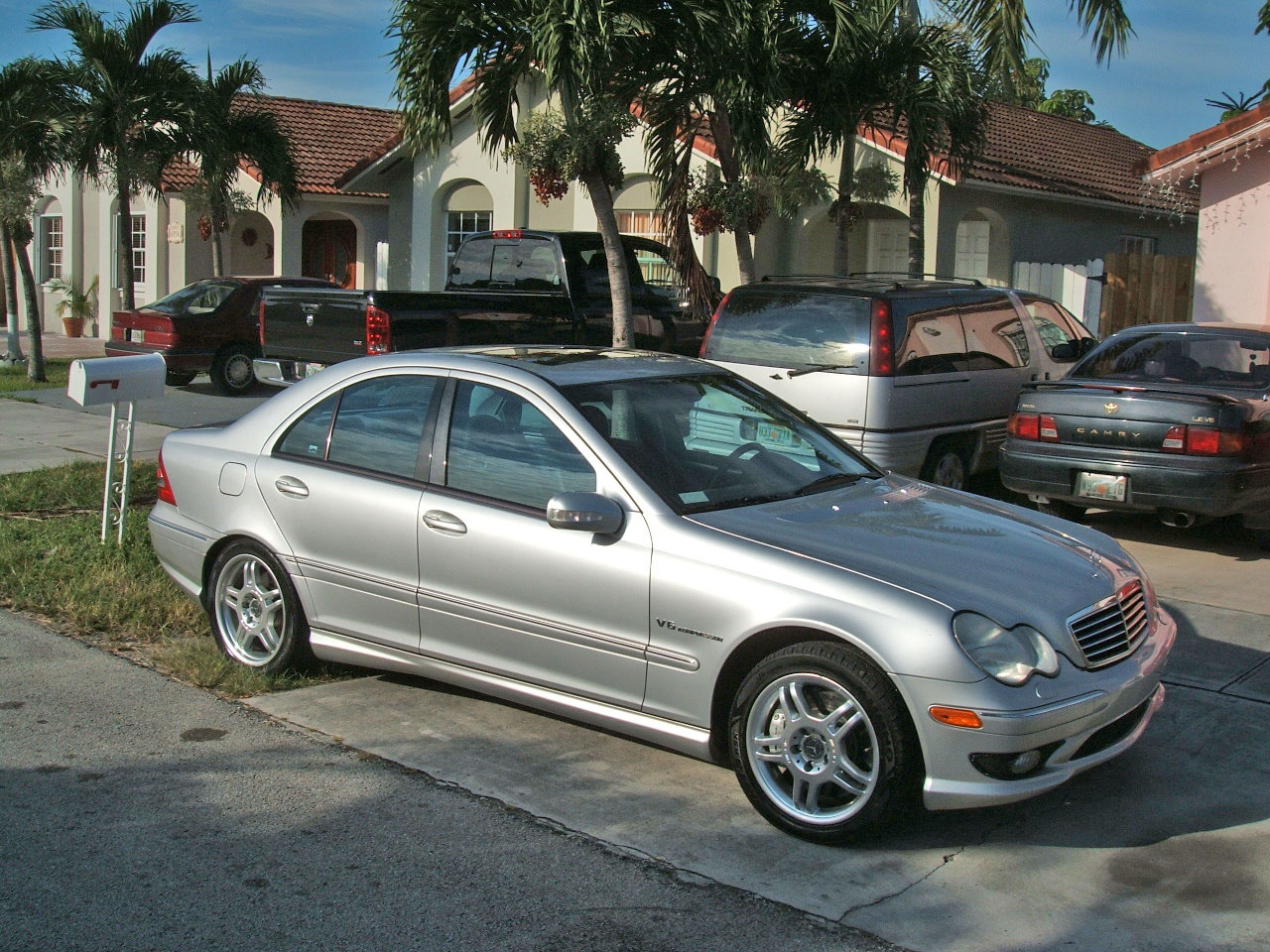 mercedes benz c32 amg kompressor photos news reviews