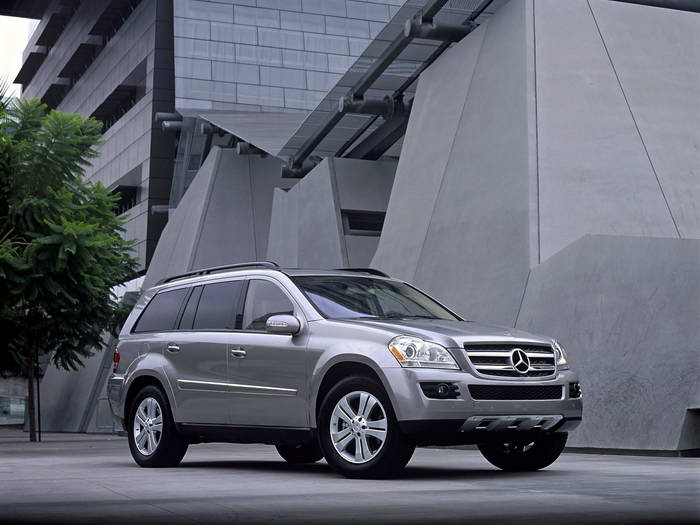 Mercedes benz gl 450 4matic picture 2 reviews news for Mercedes benz gls 450 review