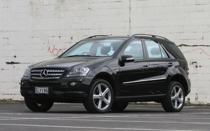 mercedes benz ml320 cdi edition 10 photos reviews news. Black Bedroom Furniture Sets. Home Design Ideas