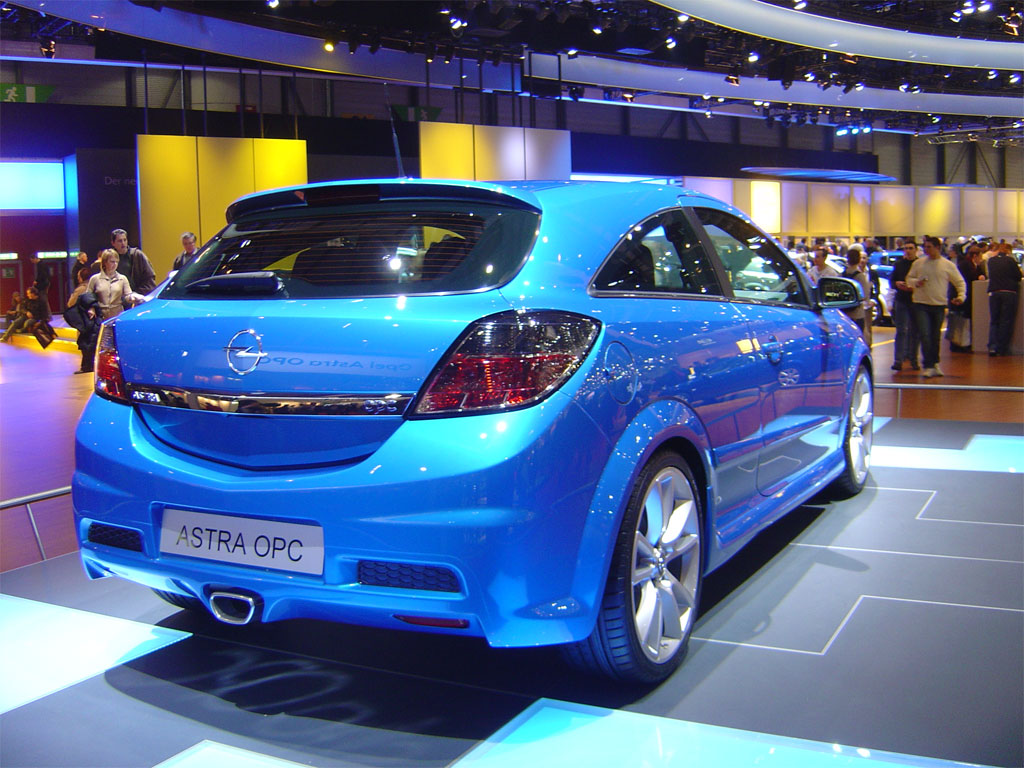 opel astra opc photos news reviews specs car listings. Black Bedroom Furniture Sets. Home Design Ideas
