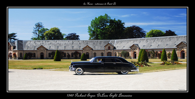 Packard De Luxe Eight limousine