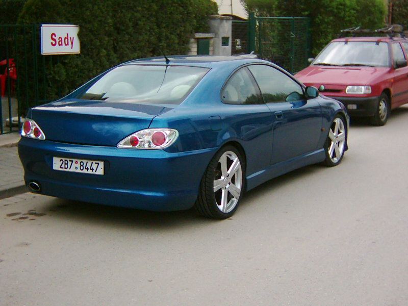 peugeot 406 coupe v6 photos news reviews specs car listings. Black Bedroom Furniture Sets. Home Design Ideas