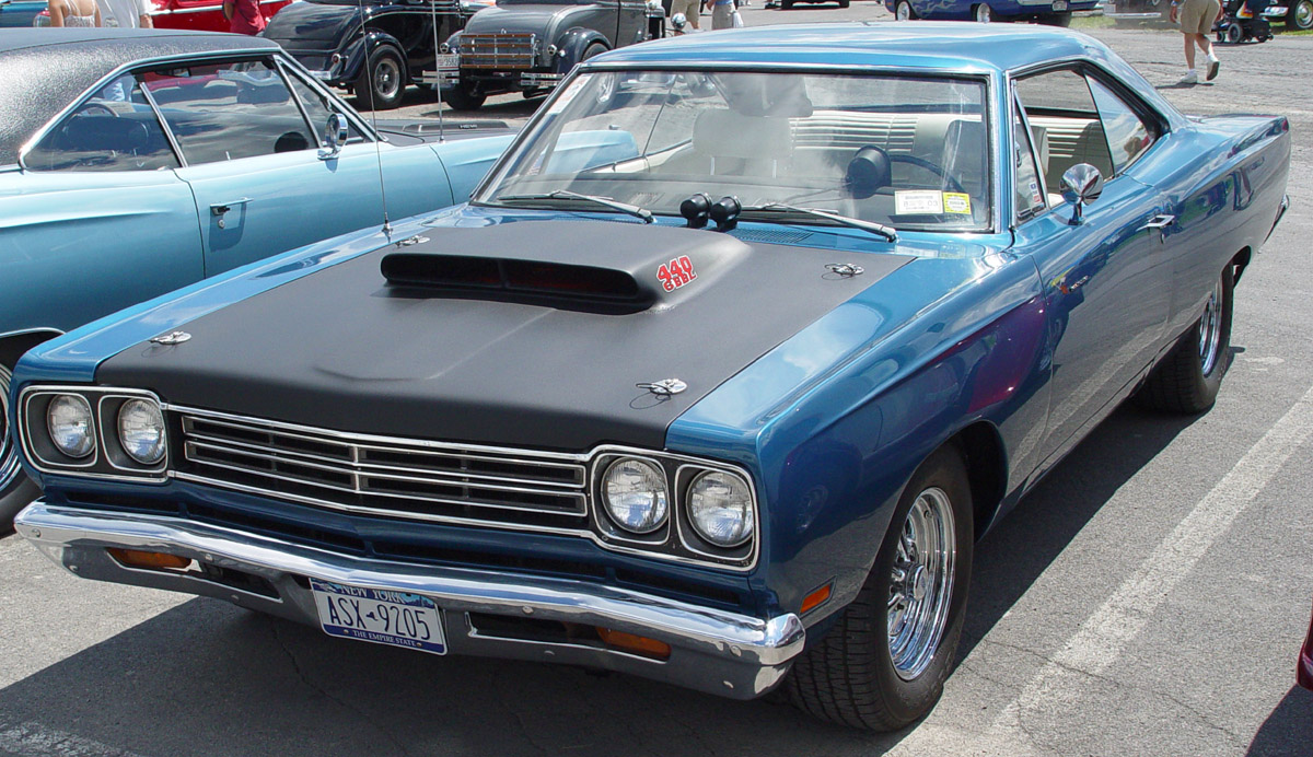 Plymouth Road Runner 440 Photos Reviews News Specs