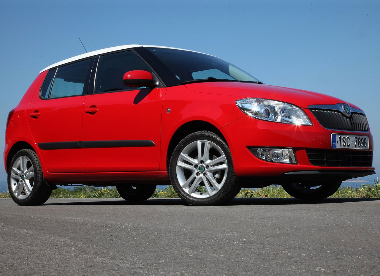 skoda fabia 14 sport photos news reviews specs car listings. Black Bedroom Furniture Sets. Home Design Ideas