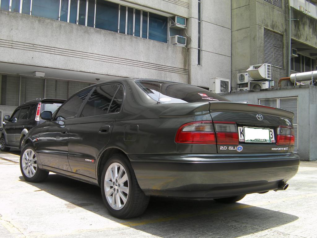 Toyota Corona Gli Photos News Reviews Specs Car Listings