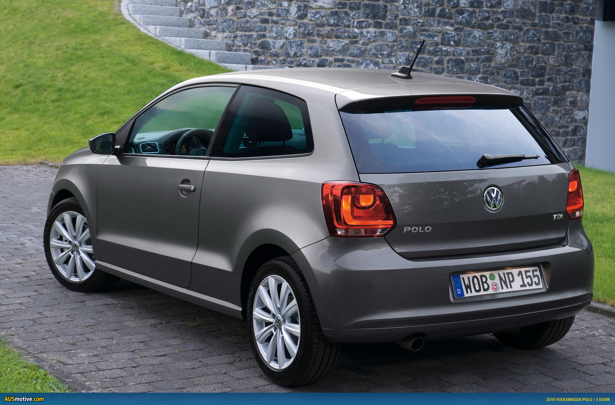 volkswagen polo 16 photos news reviews specs car. Black Bedroom Furniture Sets. Home Design Ideas
