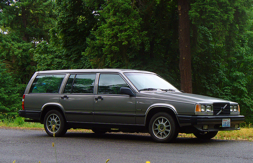volvo 740 turbo wagon photos news reviews specs car listings. Black Bedroom Furniture Sets. Home Design Ideas