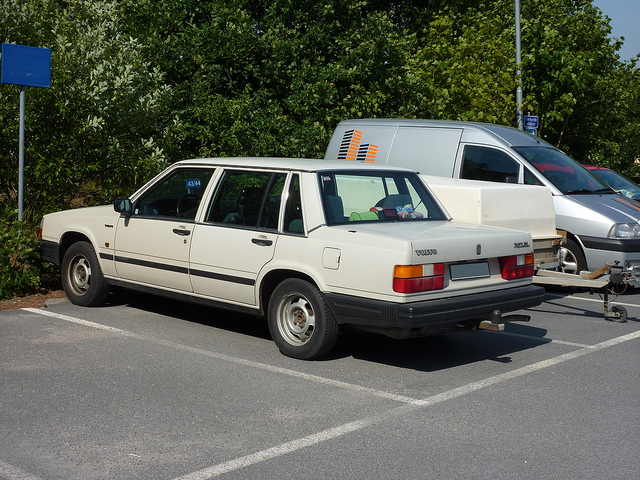 Volvo 744-883 GL: Photos, Reviews, News, Specs, Buy car