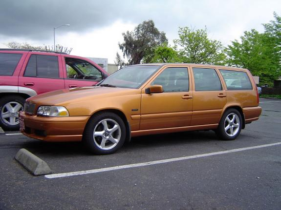 Volvo V70 R AWD:picture # 5 , reviews, news, specs, buy car