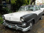 Ford Fairlane 4-dr Sedan