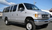 Ford E-350XLT Super Duty 4x4