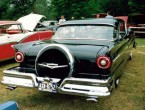 Ford Fairlane 2-dr HT