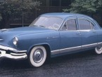Kaiser Manhattan 4-dr Sedan