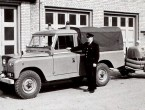 Land Rover 109 Country