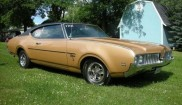 Oldsmobile Cutlass Holiday coupe