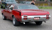 Oldsmobile Cutlass Supreme Holiday 2dr