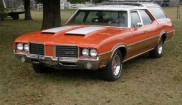 Oldsmobile Cutlass Vista Cruiser wagon