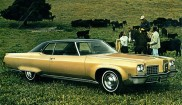 Oldsmobile Ninety-Eight Holiday 2-dr Hardtop
